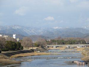 鴨川越しの北山遠景
